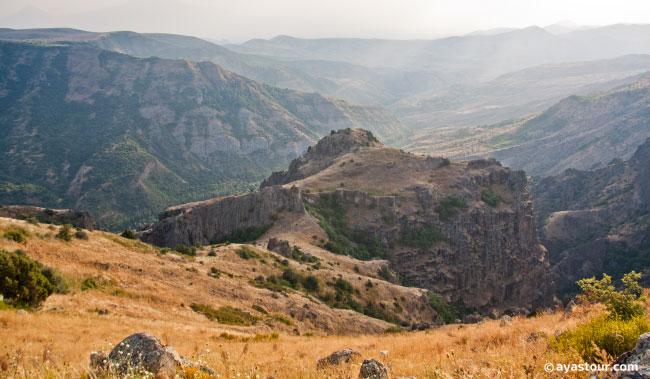 Kakavaberd-Fortress-Geghi-Fortress