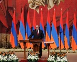 Первым президентом парламентской Армении стал бывший посол в Великобритании Армен Саркисян.